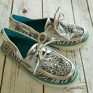 Girls Justice sparkle boat shoes. SZ 6.5
